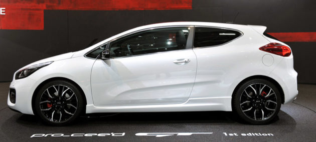 Kia ProCeed GT samping