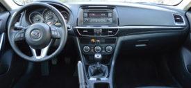Interior Mobil Toyota Avalon