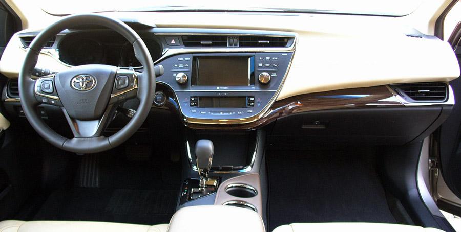 Chevrolet, Interior Mobil Toyota Avalon: Ini Dia 10 Mobil Dengan Interior Terbaik di Dunia