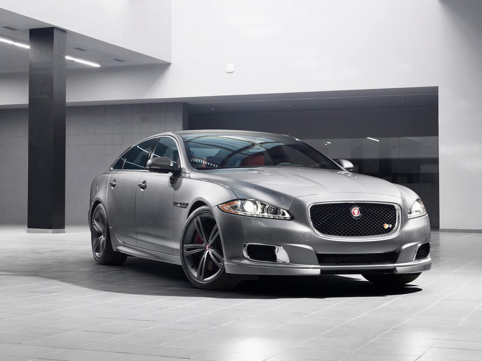 2013-Jaguar-XJR-Front-Angle