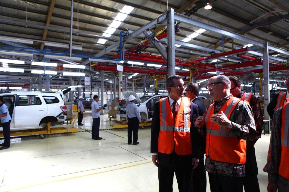Peresmian pabrik General Motors Indonesia di Bekasi Jawa Barat