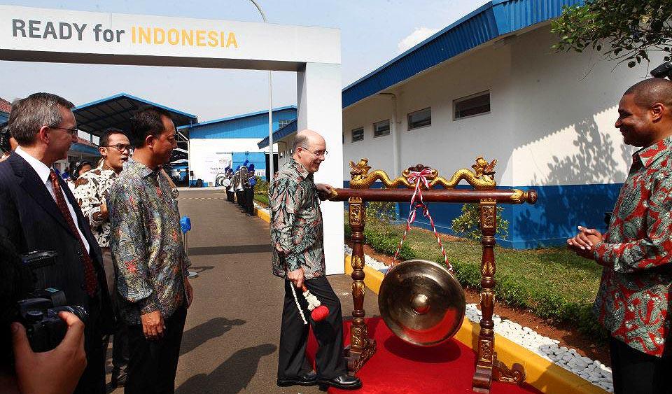 Berita, Tim Lee Vice President Global Manufacturing and President International Operations GM meresmikan pabrik General Motors di Bekasi: Siap Berkompetisi, General Motors Resmikan Pabrik Barunya di Bekasi