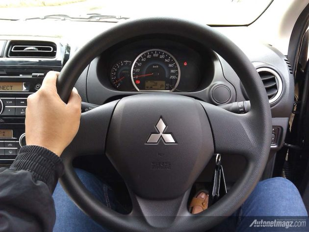 Dashboard Mitsubishi Mirage GLS AT