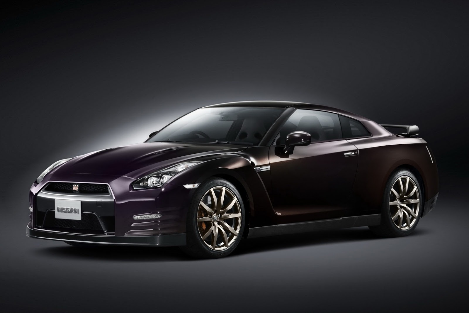 Nissan GTR Midnight Purple