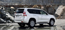 2014 Toyota Land Cruiser Prado radio