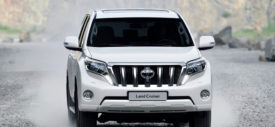 2014 Toyota Land Cruiser Prado HD Pictures