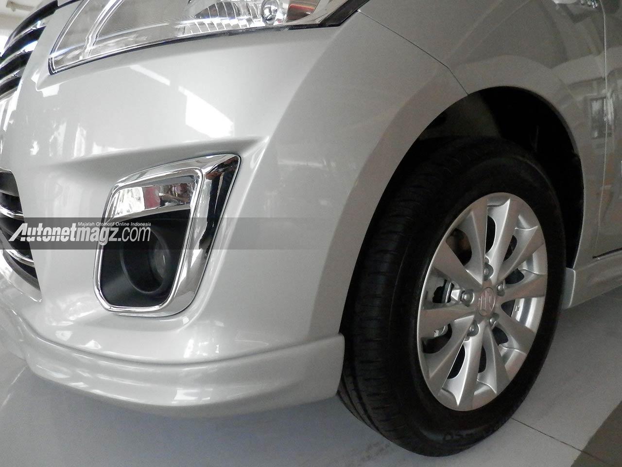 IIMS 2013, Fog lamp krom & front under front spoiler: Suzuki Ertiga Elegant Tampil Lebih Mewah [with Video]