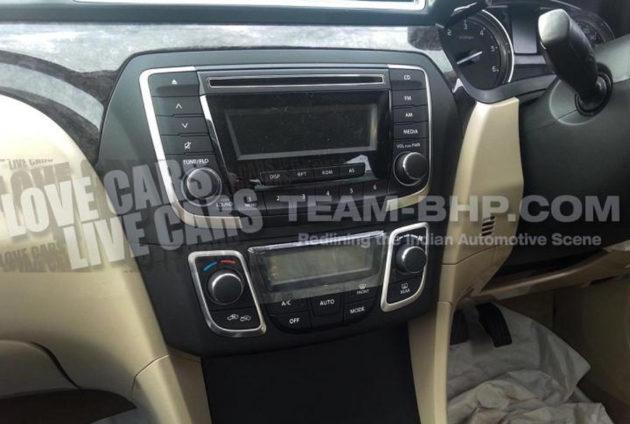 Suzuki Baleno 2014 Spyshot dashboard