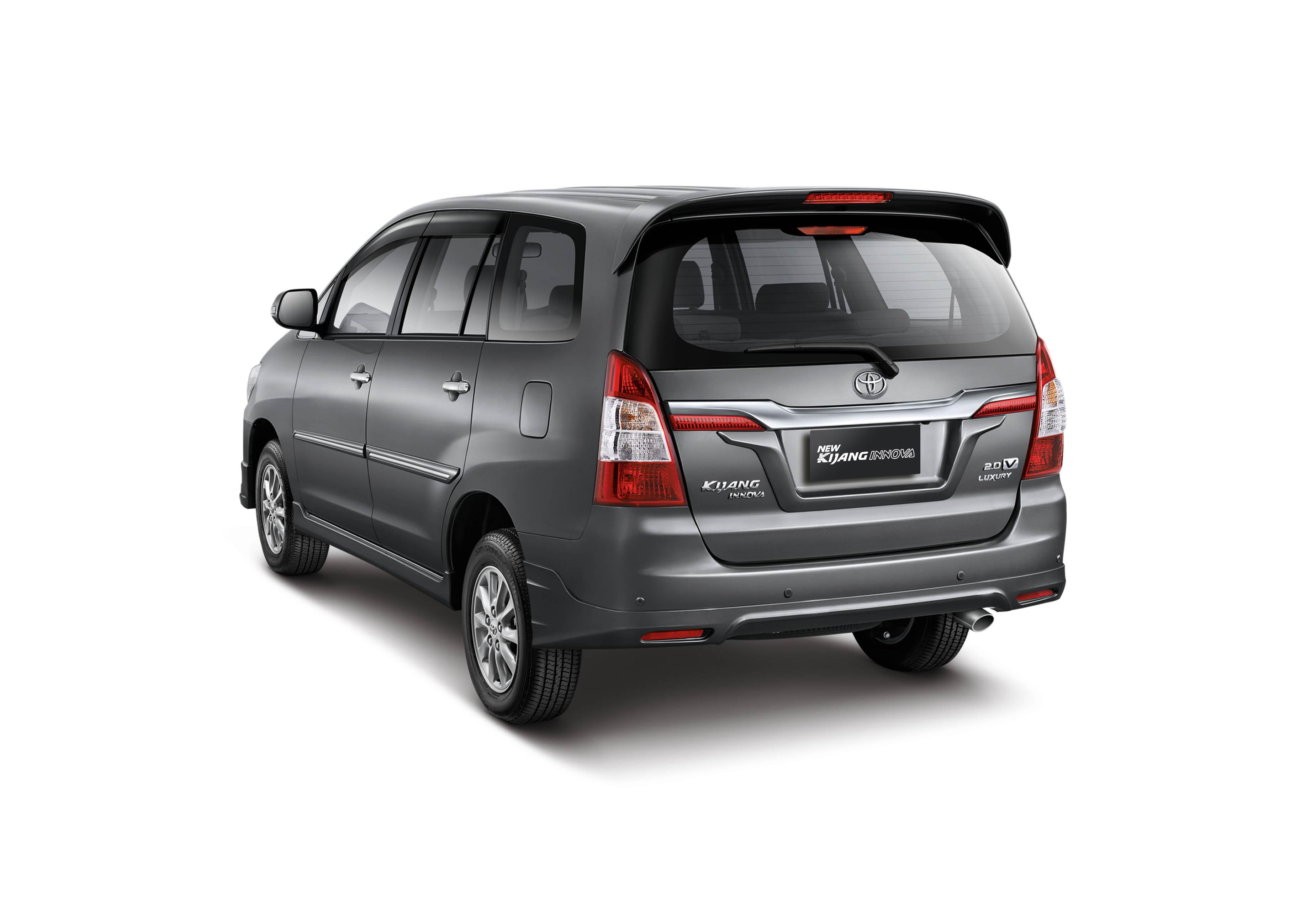 Mobil Baru, Toyota Kijang Innova 2013 belakang: Nih Gambar High Resolution Foto Kijang Innova Facelift 2013