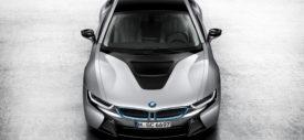 BMW i8 cabin