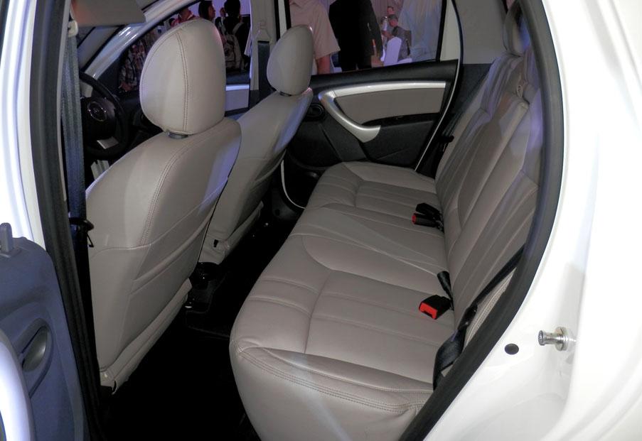 IIMS 2013, OLYMPUS DIGITAL CAMERA: Harga Lengkap Renault Duster Sudah Diumumkan Nih!