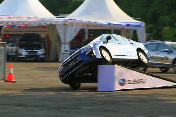 Aksi Stunt Show dari Rush Swift di IIMS 2013