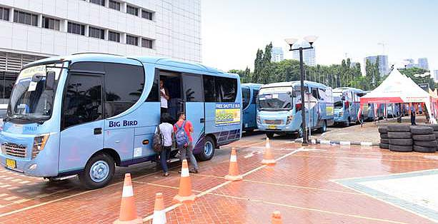 Shuttle bus IIMS 2013