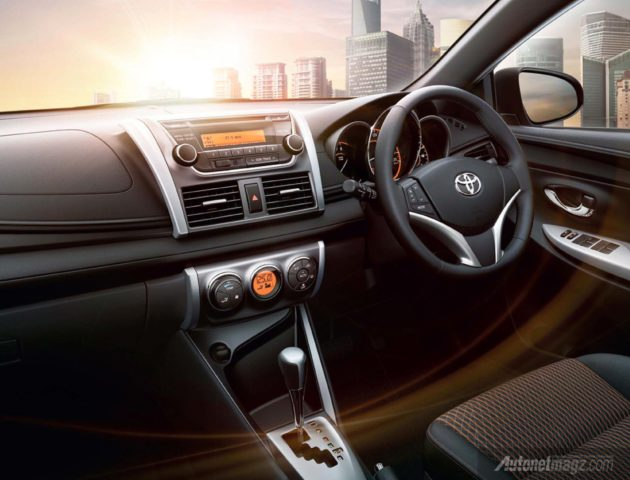 All New Yaris 2014 interior