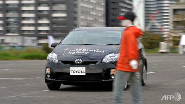 mobil pintar Toyota