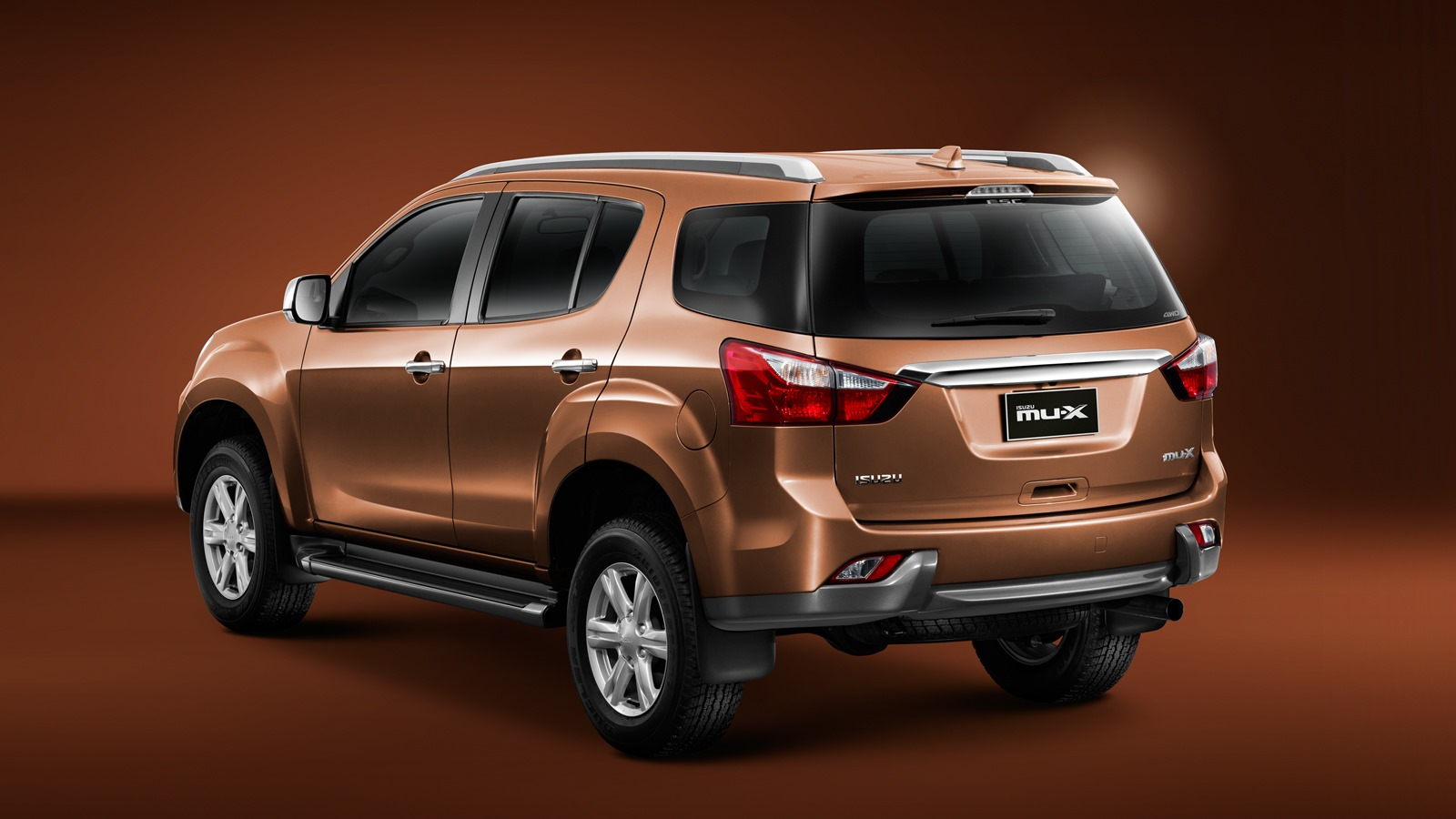 International, Isuzu MU X Indonesia: Isuzu MU-X 2014 Gantikan MU-7