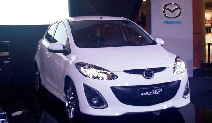 New Mazda 2 facelift 2013