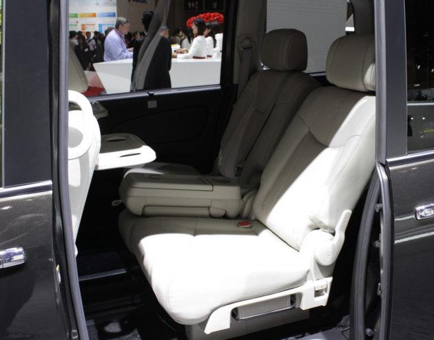 Nissan Serena seat 2014