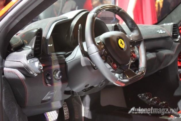 Ferrari 458 Speciale steering wheel