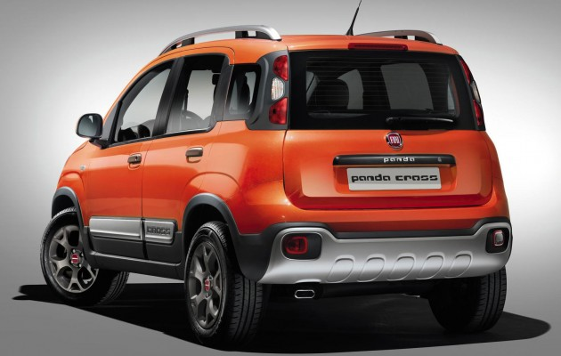 Fiat, Fiat Panda Cross 4×4 rear: Fiat Panda Cross 4×4 Dipersiapkan Untuk Geneva