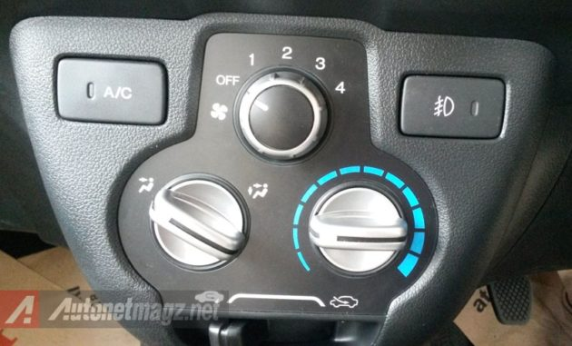 Honda Mobilio AC Panel