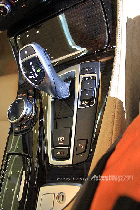 BMW, Tuas transmisi BMW 528i: BMW Seri 5 Facelift Diluncurkan di Indonesia
