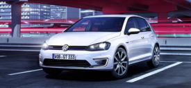 VW Golf GTE Plug In Hybrid Wallpaper