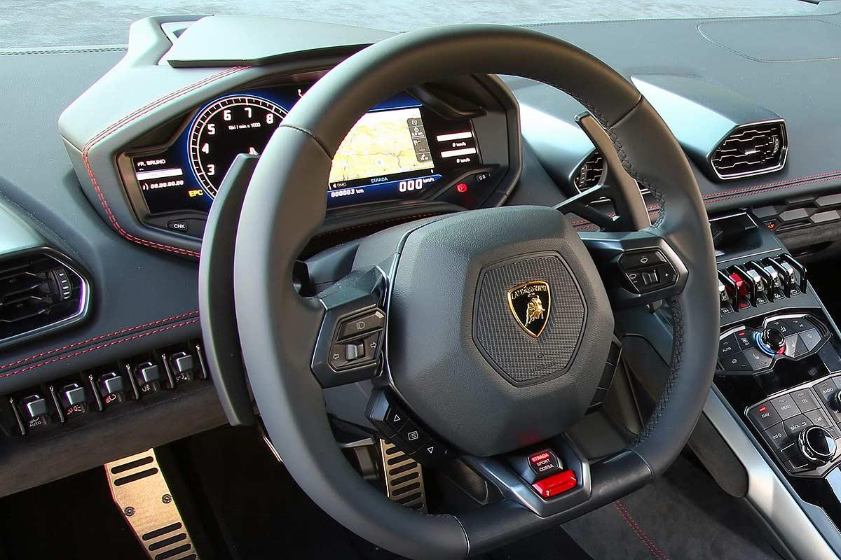 Dashboard Lamborghini Huracan 2014