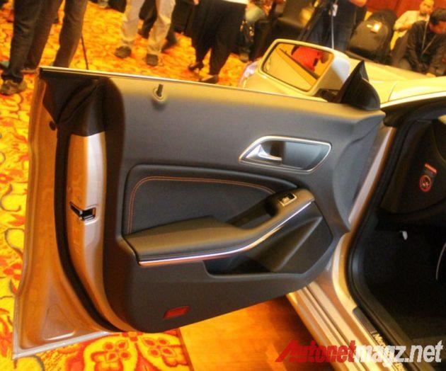 Mercedes CLA Frameless door
