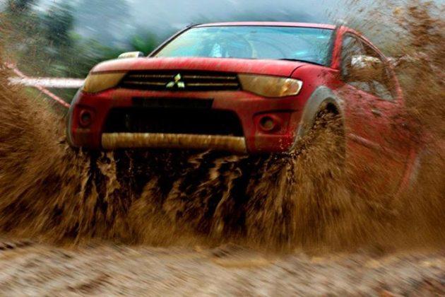 Mitsubishi Strada Triton VGT Jump