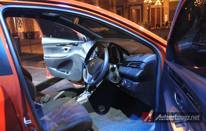 Mobil Baru, Toyota Yaris 2014 driver seat: First Impression Review Toyota Yaris 2014