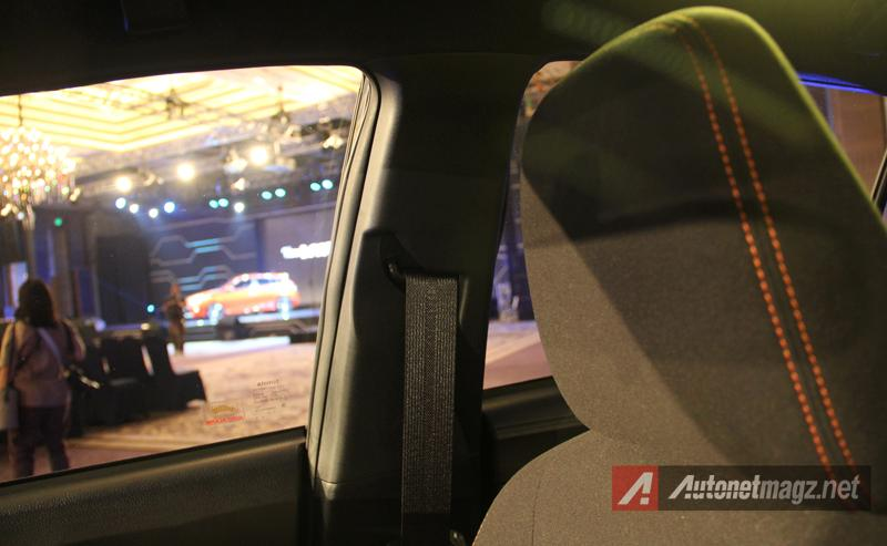 Mobil Baru, Toyota Yaris 2014 seatbelt: First Impression Review Toyota Yaris 2014