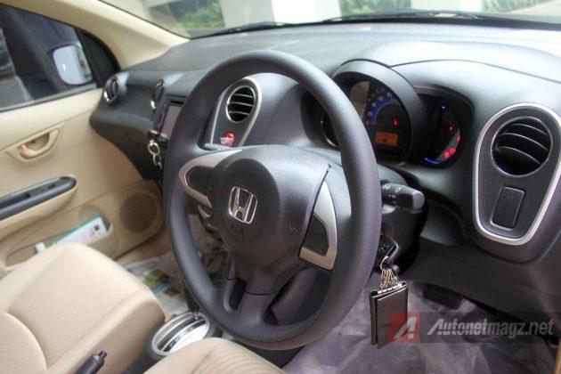 Dashboard Honda Mobilio