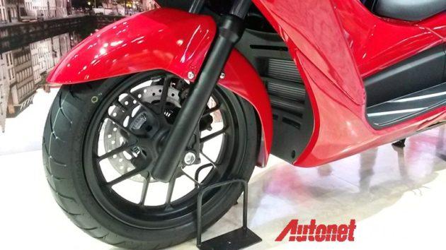Honda Forza 300 Ban