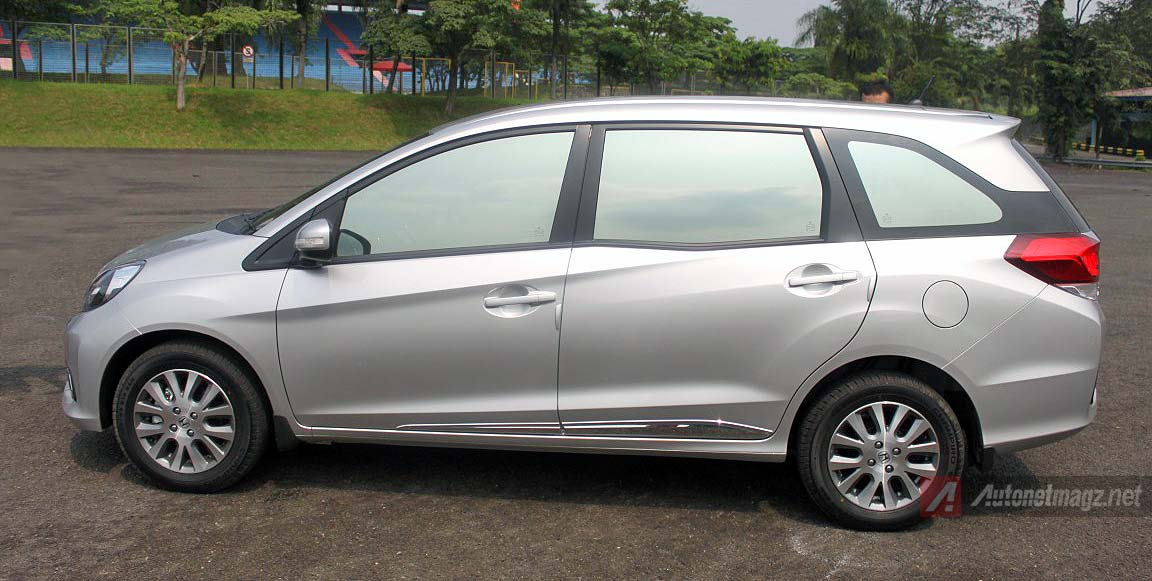 Honda, Side body moulding Honda Mobilio Prestige: Review Honda Mobilio Prestige AT by AutonetMagz [with Video]
