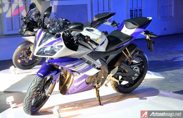 Yamaha R15 Striping biru putih