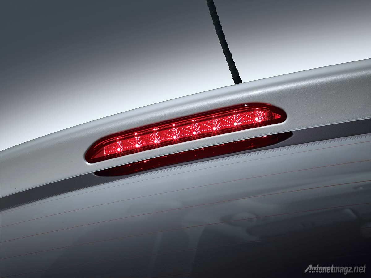 Kia, High mounted stop lamp New KIA Picanto Platinum: KIA Picanto Platinum, Varian Tertinggi Picanto Resmi Diluncurkan