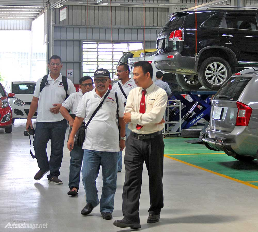 KOI Korea Otomotif Indonesia sedang berkunjung ke THACO KIA Vietnam