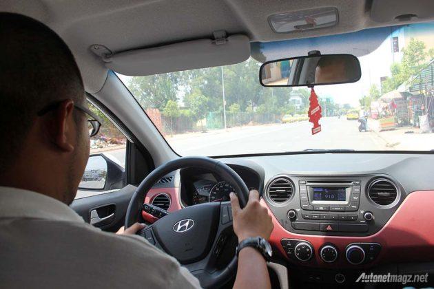 Mobil Hyundai setir kiri di Vietnam