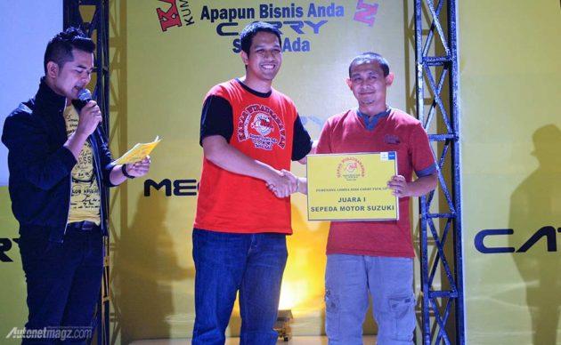 Pengusaha Cirebon yang mendapat hadiah Motor Suzuki di acara Kumpul Akbar Wirausahawan KABAR Carry Pick Up