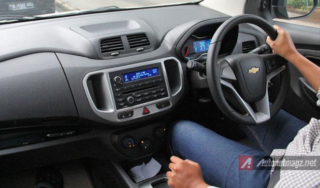 Posisi mengemudi driving position pada Chevrolet Spin Activ