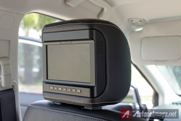 2014-Subaru-XV-Rear-Seat-entertainment-630x420