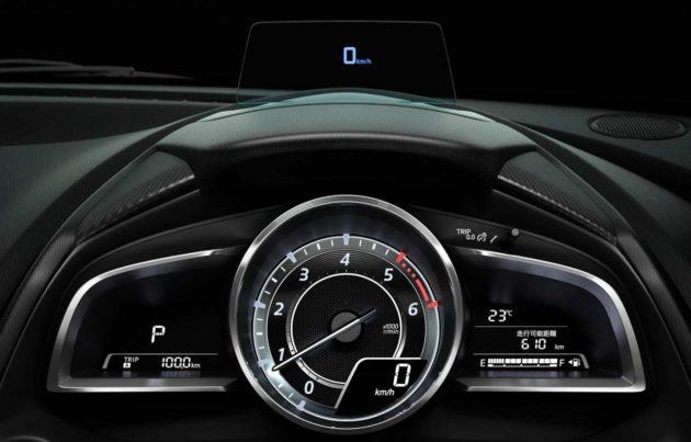 2015-Mazda2-Head-Up-Display