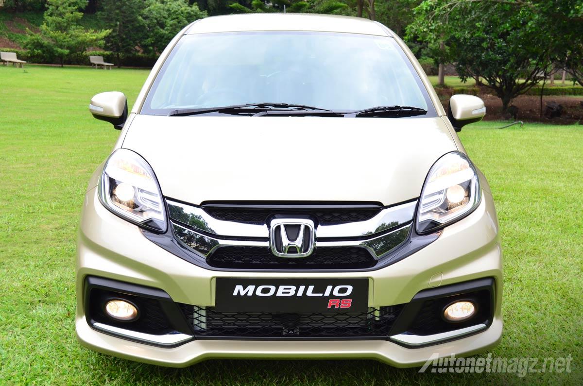 Bumper depan dengan bodykit Honda Mobilio RS diesel