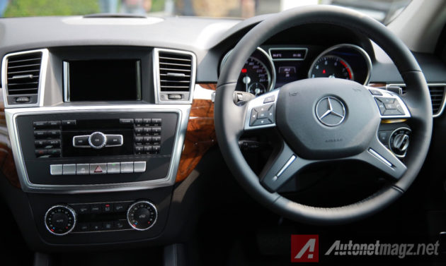 Interior-Mercedes-Benz-ML-400