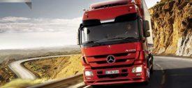 Self-driving technology by Daimler Mercedes-Benz truck