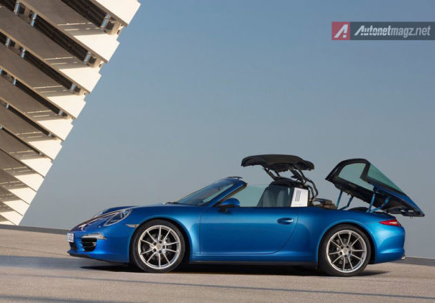 Porsche-911-Targa-Roof-Operating
