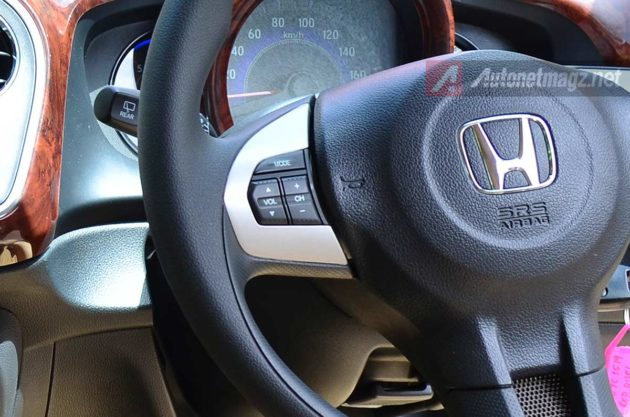 Steering Switch Control di Mobilio Diesel