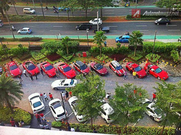 Coverage-Merdeka-Run-Red-and-White-Cars