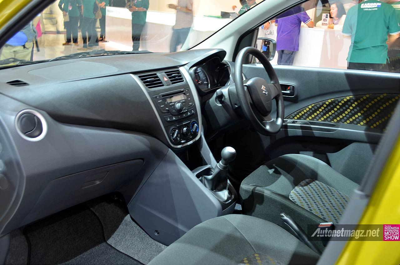 Interior kabin city car Suzuki Celerio 2015 Indonesia